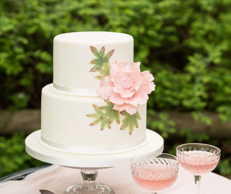 Feature: Floral and feminine – the sweetest inspiration for a Downton styled English wedding